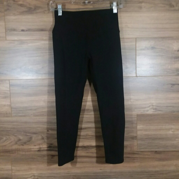 9e2192e59c155 ALO Yoga Pants | Alo Dash High Waist Capri Black Leggings Medium ...